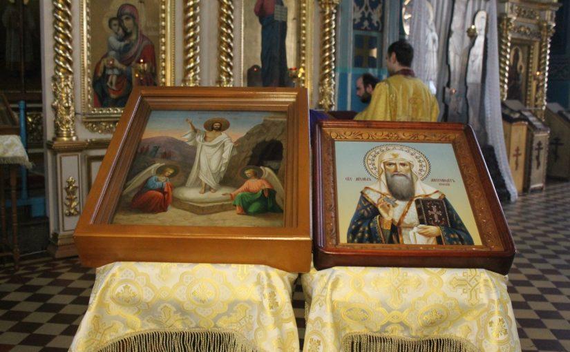 Епископ Митрофан совершил всенощное бдение в Михайло — Архангельском кафедральном соборе