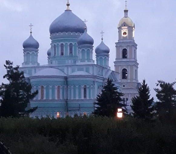 Прихожане Михайло-Архангельского собора г. Сердобска посетили Дивеево