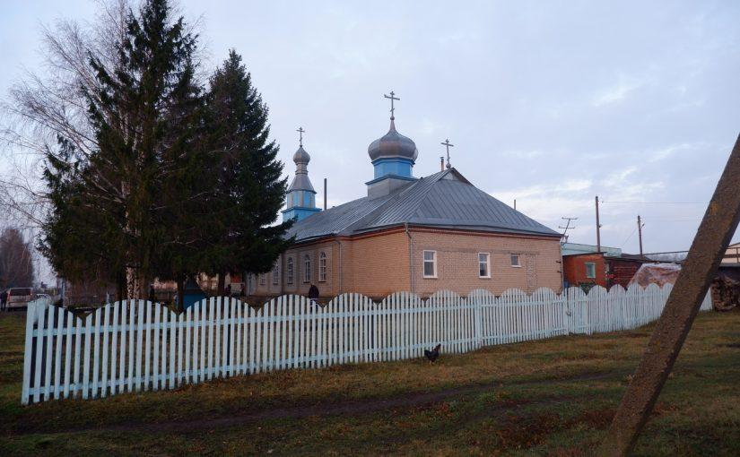 Епископ Митрофан совершил Божественную литургию в Покровском храме с. Дубровки Спасского район