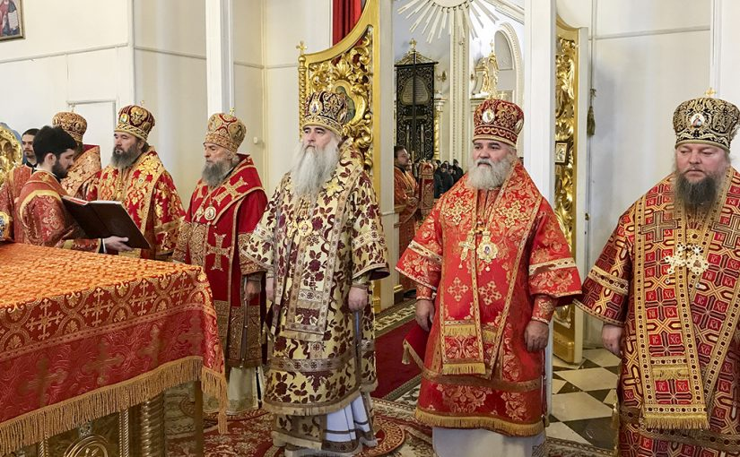 Божественная литургия в кафедральном соборе святого праведного Феодора Ушакова г. Саранска