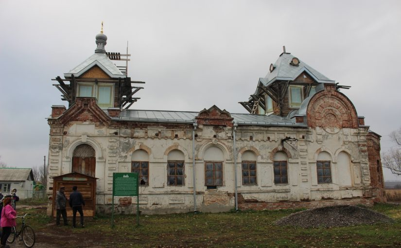 В Старой Потловке Колышлейского района состоялась волонтерская акция в рамках возрождения храма св. Аллы