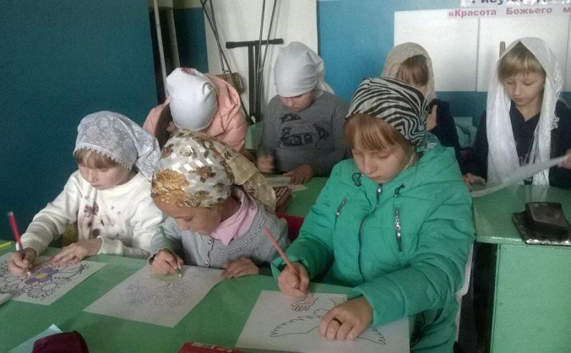 В воскресной школе с. Поим открылась выставка детских рисунков