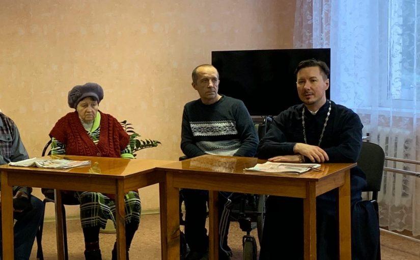 Иеромонах Вениамин (Гришинов ) провёл встречу с пожилыми людьми в Сердобском Доме ветеранов