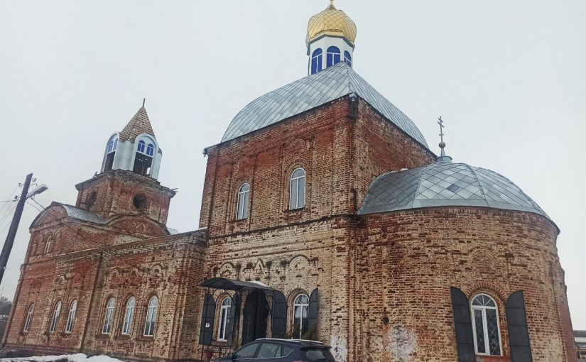 Епископ Митрофан посетил церковь Богоявления Господня с. Вадинск