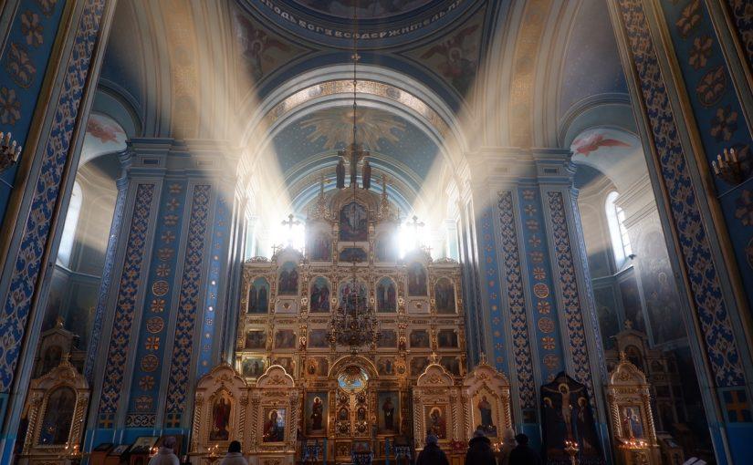 В понедельник первой седмицы Великого поста епископ Митрофан молился за уставным богослужением в кафедральном соборе Архангела Михаила