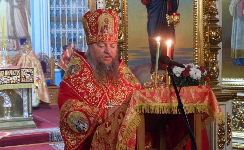 В Пасхальную ночь епископ Митрофан возглавил богослужение в кафедральном соборе Сердобска
