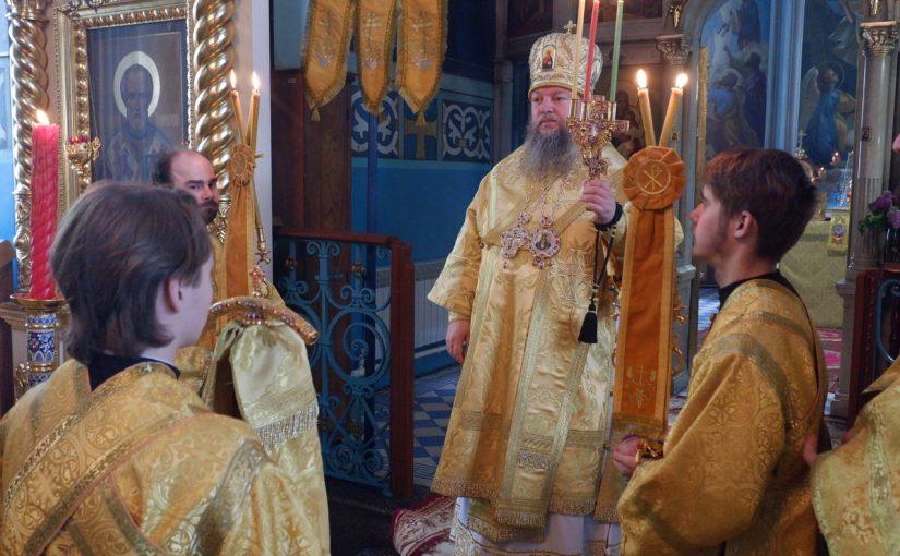 В день памяти святителя Николая Чудотворца епископ Митрофан возглавил Литургию в кафедральном соборе г. Сердобска