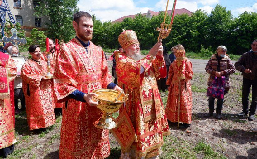 Епископ Митрофан совершил Божественную литургию в Михайло — Архангельском кафедральном соборе г. Сердобска