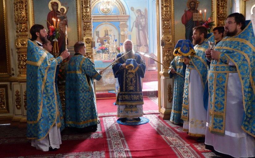 В праздник Успения Пресвятой Богородицы епископ Митрофан возглавил служение Божественной Литургии в кафедральном соборе Сердобска