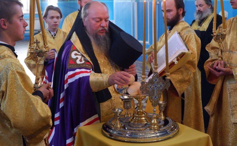 Накануне дня памяти обретения мощей святителя Митрофана Воронежского, епископ Митрофан совершил всенощное бдение