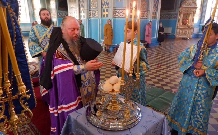 В канун Рождества Пресвятой Богородицы епископ Митрофан совершил всенощное бдение в кафедральном соборе Сердобска