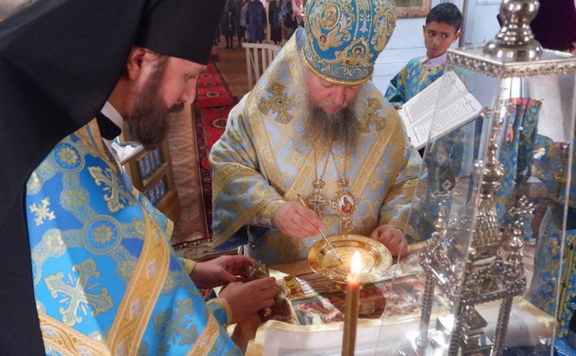 Епископ Митрофан совершил Великое освящение Введенского храма с. Хованщино Бековского района