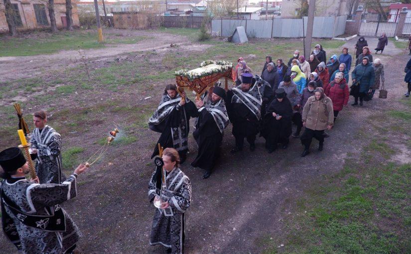 Преосвященнейший Митрофан совершил утреню Великой Субботы с чином погребения Плащаницы в кафедральном соборе г. Сердобска