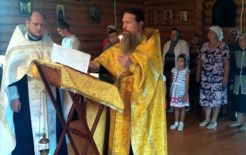 Освящение Голгофского креста в Свято – Никольском храме с. Абашево Спасского района